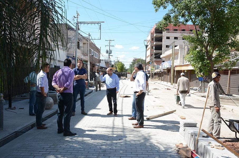El intendente Mirolo supervisó los avances de la obra de semipeatonalización de calle Pellegrini