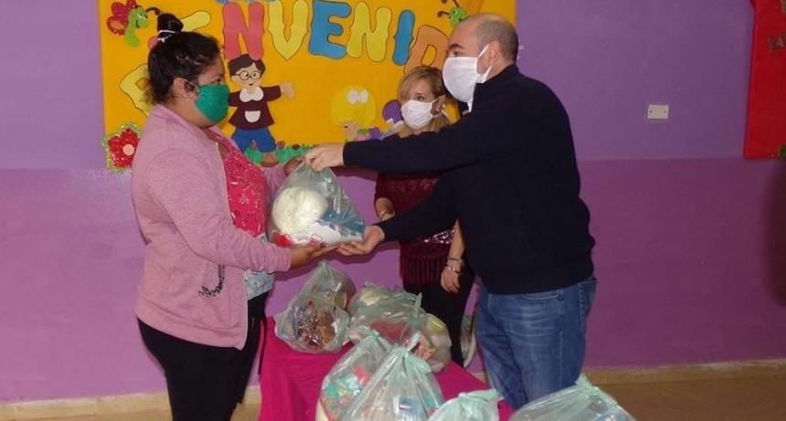 Mirolo participó de la entrega de suplementos nutricionales para los alumnos del Jardín Municipal