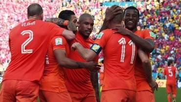 Holanda quedó líder y Chile jugará con Brasil en octavos