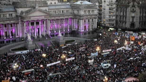 #NiUnaMenos: multitudinario reclamo contra los femicidios y la violencia hacia las mujeres