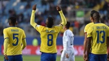 Ecuador ganó, despidió a México y clasificó a la Argentina