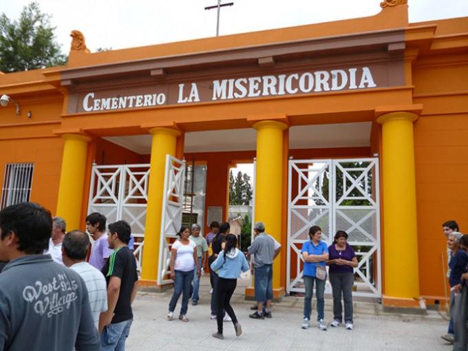 El cementerio La Misericordia informa los horarios para el fin de semana largo
