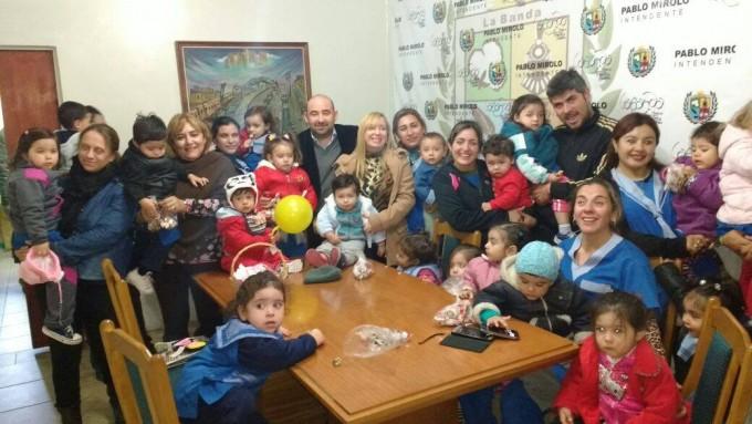 Los pequeños y docentes del Jardín de Primera Infancia visitaron  al intendente
