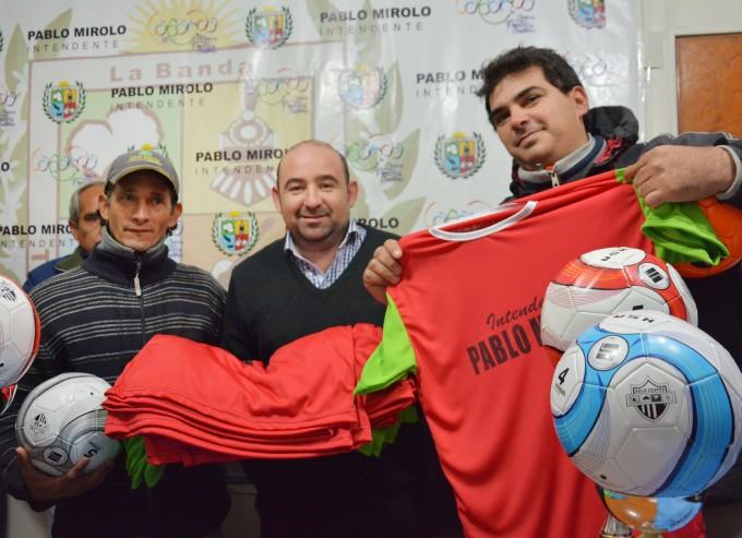El municipio continúa brindando su apoyo a clubes de fútbol de la ciudad