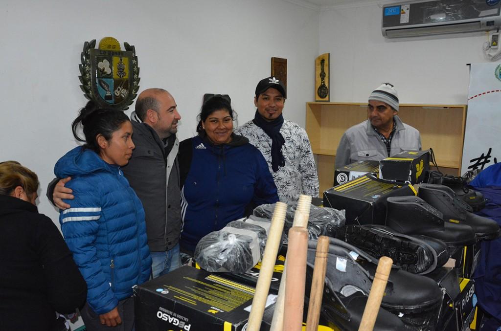 Más de 180 brigadistas reciben ropa de trabajo y herramientas la limpieza de la ciudad