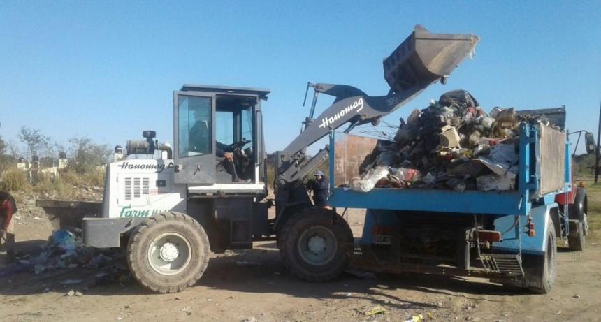 Realizan trabajos de higiene en los barrios San Fernando y 25 de Mayo Ampliación