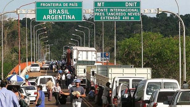 Los argentinos acumularon más de un millón de dólares en multas de tránsito en Brasil