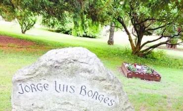 La tumba de Borges es vecina de la de una escritora y prostituta