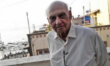 Los particulares consejos de un gurú del sexo de 90 años
