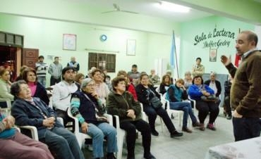 El intendente Pablo Mirolo visitó el barrio Villa Juana y expuso el plan de obras para el sector