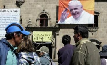 La familia, eje de la primera gira del Papa por América del Sur