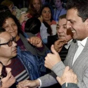 Massa, contra Scioli y Macri: