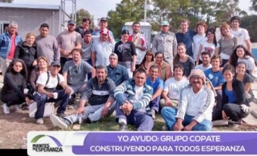 El Padre Rafael Velasco y su trabajo solidario junto a los jóvenes