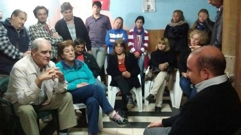 El intendente anunció obras para los vecinos del barrio Juan Perón