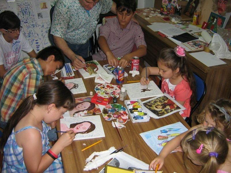 El municipio convoca a los chicos a disfrutar de actividades artística en vacaciones de invierno