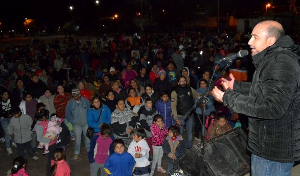 El intendente Mirolo recibió un fuerte respaldo de los vecinos en los barrios
