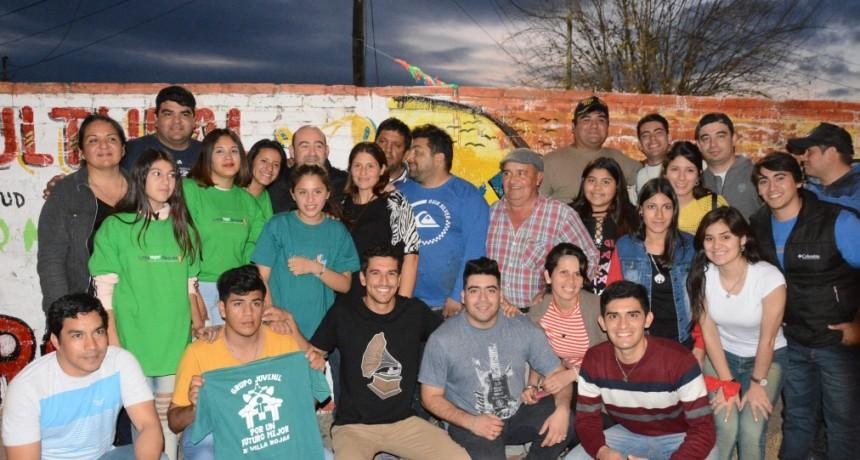 El Patio Cultural Juvenil llenó de música y danza el barrio Villa Rojas