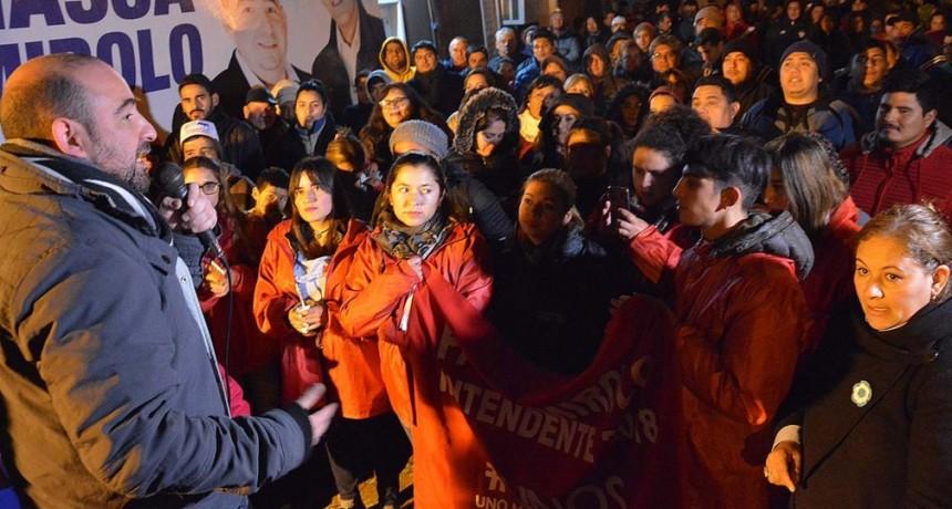 Los candidatos del Frente Renovador recibieron un masivo respaldo en el barrio Agua y Energía
