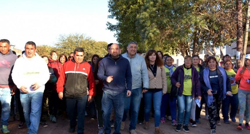 Mirolo y Nediani recibieron el respaldo de los vecinos del barrio Banfield