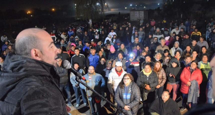 El intendente Pablo Mirolo inauguró un campo deportivo en el barrio 9 de Julio