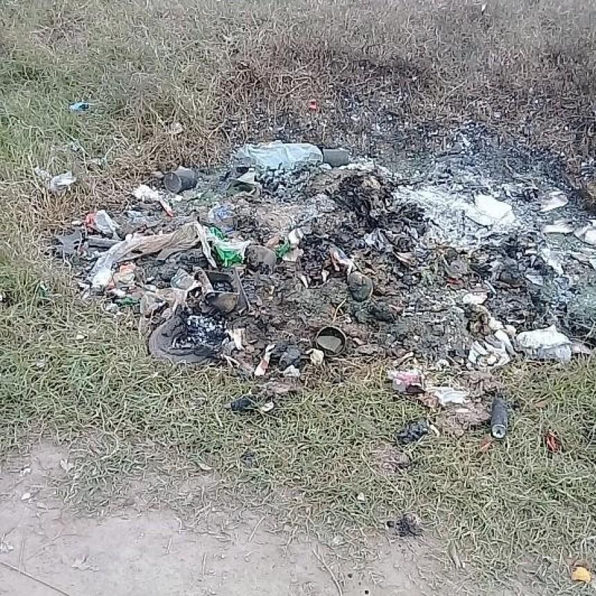 Otro contenedor quemado genera repudio en vecinos y de autoridades municipales