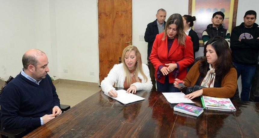 Con 14 alumnos de la Técnica Nº 6 el intendente Mirolo lanzó un plan de pasantías para estudiantes secundarios