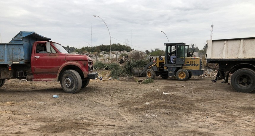 La municipalidad respondió al pedido de los vecinos del Bº Primero de Mayo con un amplio operativo de higiene