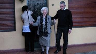 Finalmente Estela de Carlotto pudo abrazar a su nieto Guido