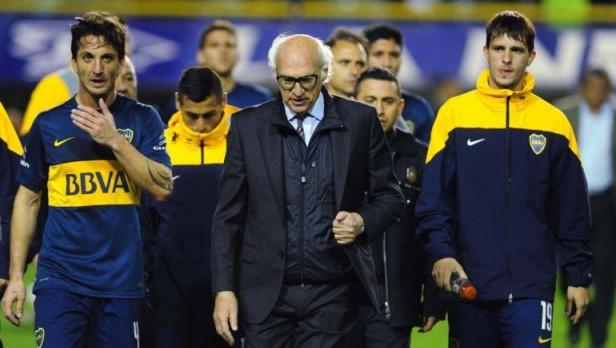 Tras la derrota, los hinchas de Boca explotaron contra Angelici y pidieron por Riquelme