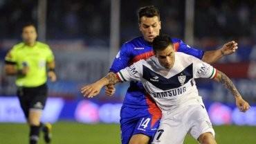 A poco del final y con uno menos, Vélez le ganó a Tigre en Victoria