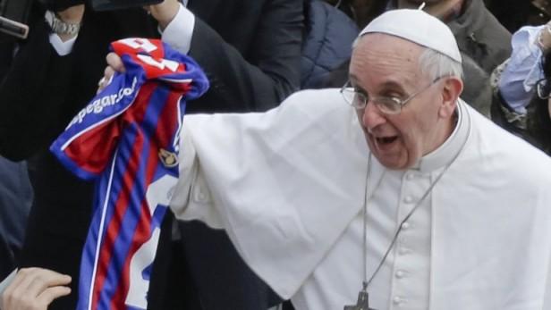 Antes de viajar a Corea del Sur, el Papa se interesó por la gran final de San Lorenzo
