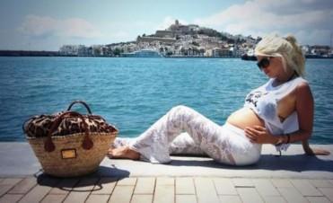 Wanda Nara y Mauro Icardi confirmaron el embarazo con una foto