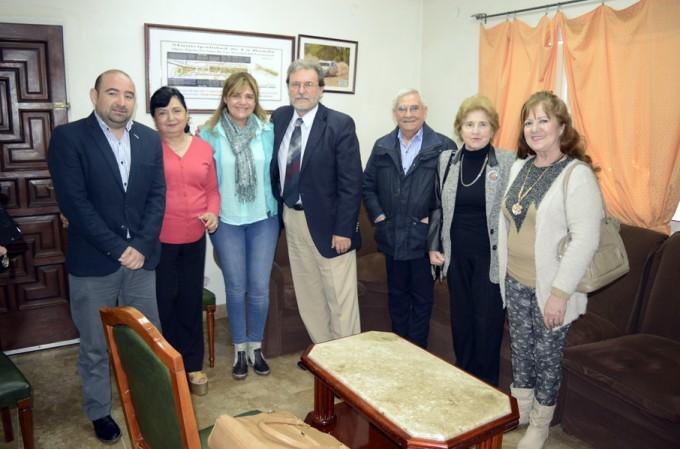 El intendente Mirolo recibió la visita del historiador Jorge Olarte