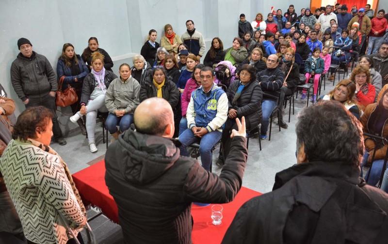 El intendente Mirolo analizó el avance de su gestión en una reunión con representantes de 75 juntas vecinales