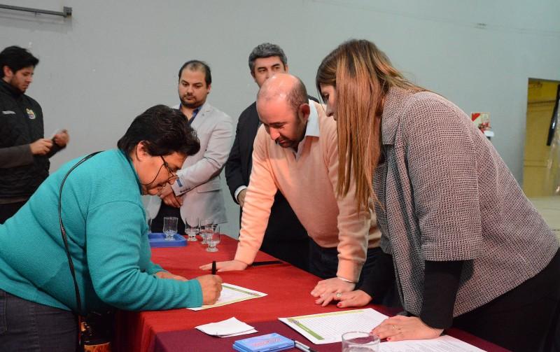 Mirolo se comprometió con más de 50 familias a iniciar trámites de escrituras de terrenos