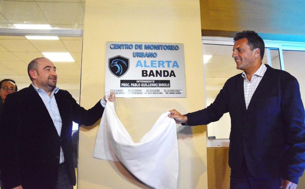 Pablo Mirolo y Sergio Massa lanzaron el programa Alerta Banda ante una multitud