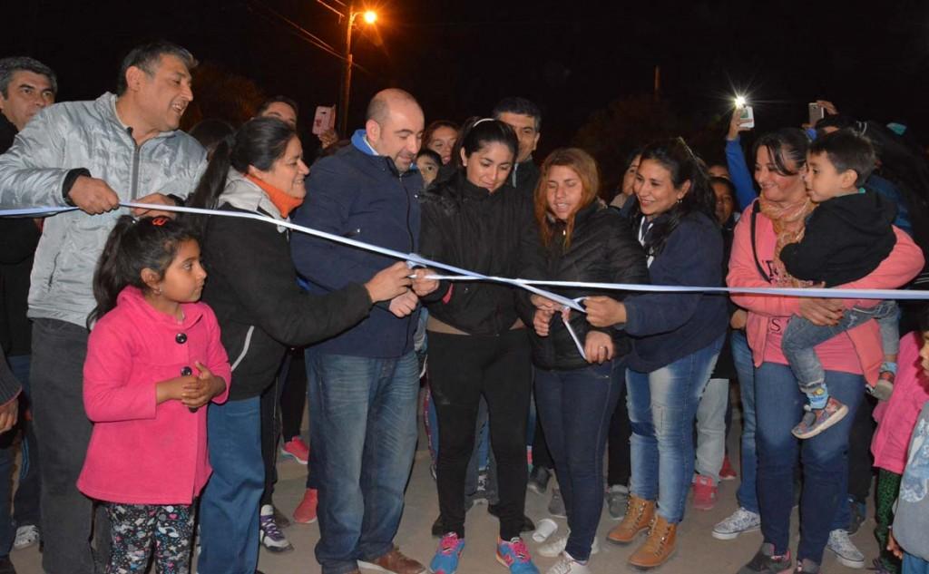 Gran cantidad de vecinos celebraron la inauguración de una plaza saludable en el barrio El Paraíso 100 Viviendas