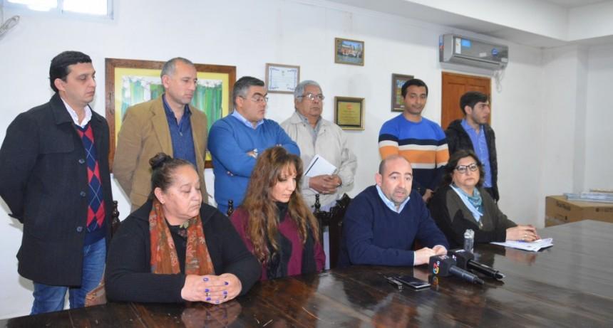 El intendente Mirolo anunció el pago del bono de $ 8.000 para los obreros y empleados municipales