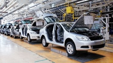 La producción de automotores cayó un 34,5% en agosto