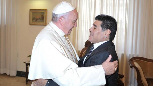 El Papa recibió a Maradona y Moreno en una audiencia privada