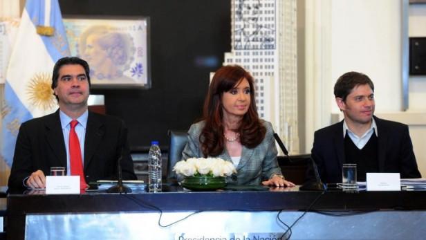 Kicillof sugirió que las automotrices suspenden trabajadores para extorsionar al Gobierno