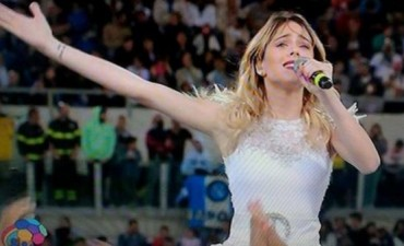 Martina Stoessel cantó en el Partido por la Paz en el Estadio Olímpico de Roma