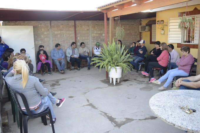 Autoridades municipales se reunieron con vecinos del barrio Los Álamos