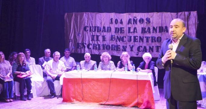 La Banda rindió un homenaje a sus escritores y poetas