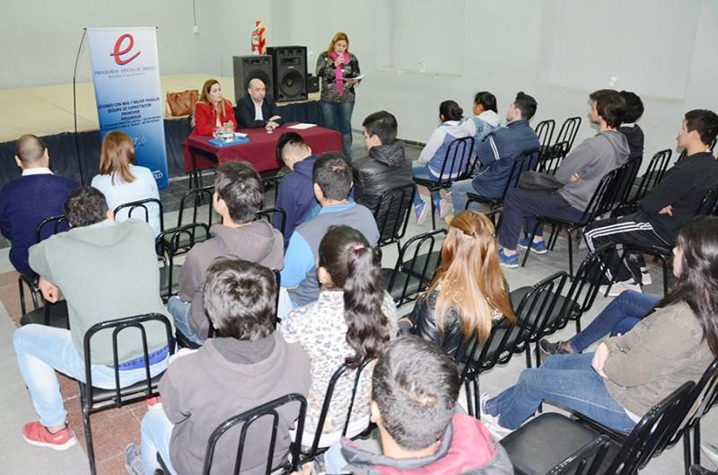 El intendente Mirolo hizo el lanzamiento del Club de Empleo Municipal