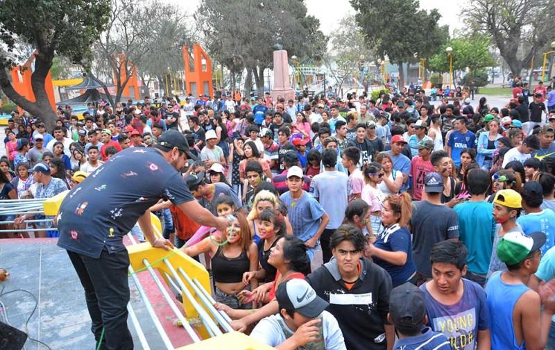 Cientos de estudiantes bandeños celebraron su día en la Plaza Belgrano