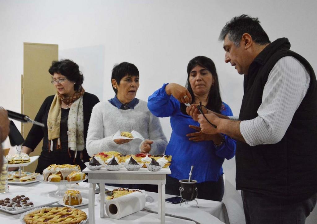 Cientos de bandeños visitaron la Expo de Microemprendedores en la Plaza Mauricio Rojas