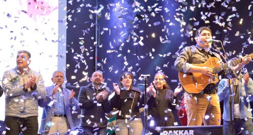 Una multitud disfrutó del show artístico por los 107 años de La Banda