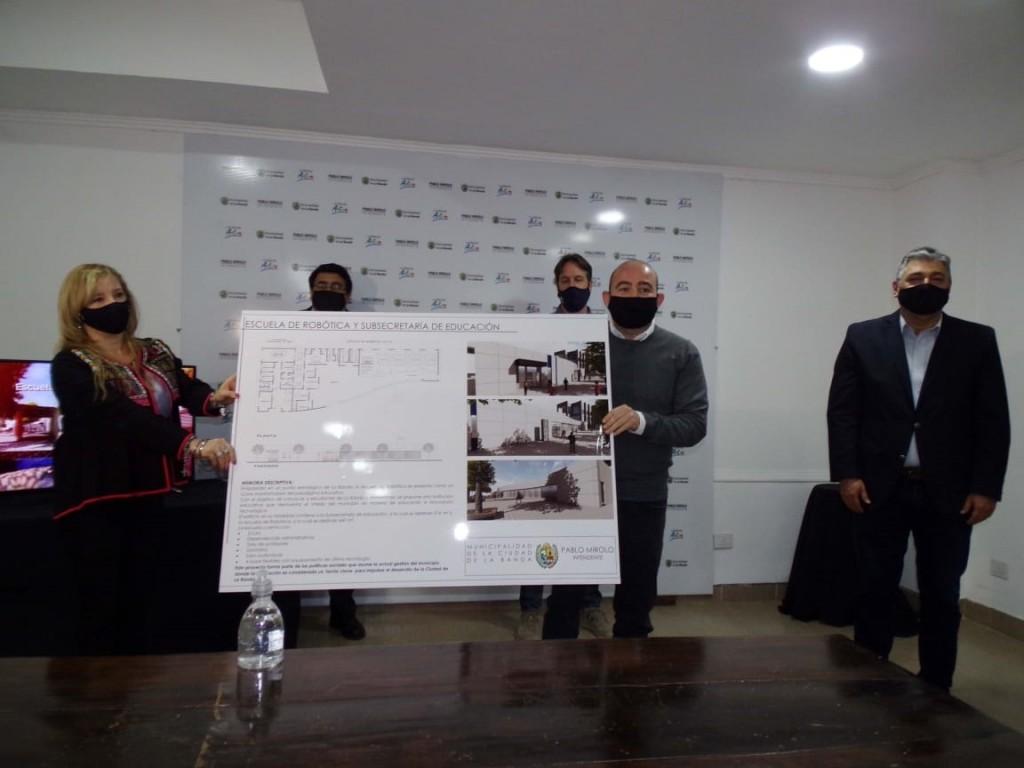 Mirolo anunció la innovadora construcción de la Escuela de Robótica en el tradicional Veredón