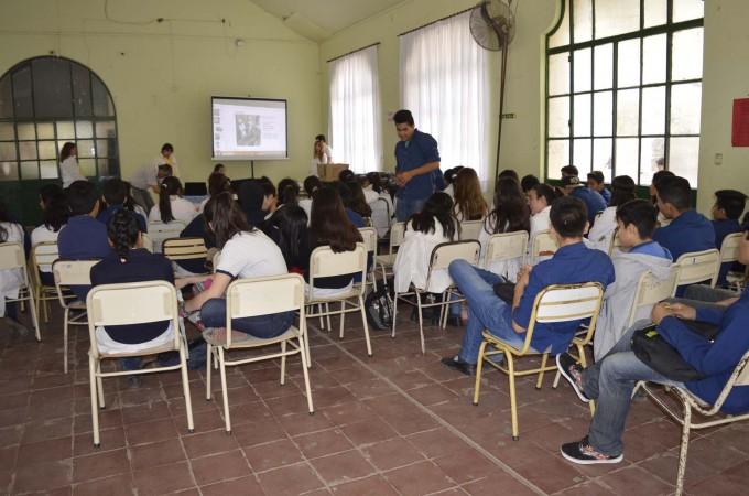 Las áreas control de la comuna brindaron una charla a alumnos de la Escuela Normal